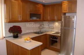 П-образна кухня от БУК с корпуси от ЛПДЧ и разделители в чекмеджетата от буков шперплат.