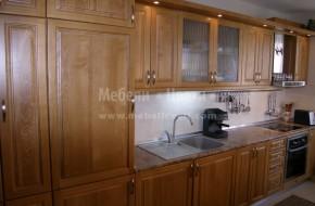 Обзавеждане за кухня, изработена от ясенов масив, с аспиратор и вградени електроуреди.Обзавеждане цени от 5970 лева