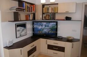 Мебелите са с кант ПВЦ - 2 мм.страниците с 0,8 мм.