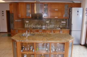 Обзавеждане за кухня от масивна дървесина по поръчка на клиента с два броя мивки и вградена в барплота съдомиялна машина.Цена на барплот 3300лв.