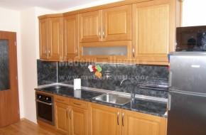 Обзавеждане по поръчка бук. Предлагаме и лакове за кухненски мебели от масив, произведени от масив.Цена 3500 лева