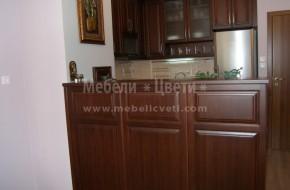 Обзавеждане по поръчка. Мебели Цвети предлага качествени кухненски мебели от масив.Цена с двулицев бар плот 5340лв.