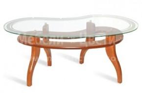 Красива маса за трапезария със стъклен плот и масивен буков станок.