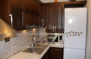 Поръчкова кухня от бук с цена 5800лв.В цената не са вкючени-уреди,мивка,смесител и механизми.
