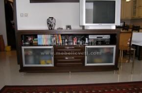 Шкаф от череша за телевизор ,витрините са с алуминиева рамка