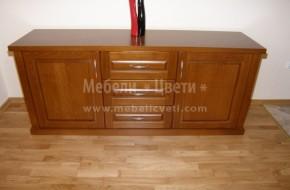 Шкаф с три дълбоки чекмеджета и две вратички