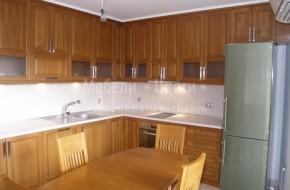 Кухнята ще се ползва от клиенти които са професионални готвачи за това по тяхно желание увеличихме обема в горните кухненски шкафове .