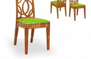 Трапезен стол от бук с тапицирана седалка и облегалка с отвори, възможност за различни цветове и дамаски