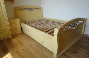Спалня с орнаменти от ковано желязо  монтирана в Еко Селище .
