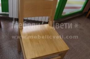 Всеки един стол може да е с дървена седалка ,като се доплаща 35 лева на брой