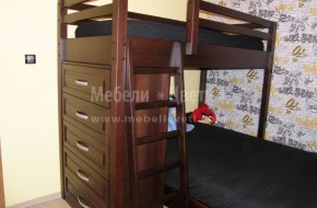Единично високо легло със стълба,спалня ,скрин,гардероб с огледални плъзгащи врати-разположени на 7 кв.метра