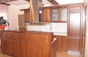 Кухненски мебели от масивна череша по поръчка.Цена на букова кухня 4100 лева