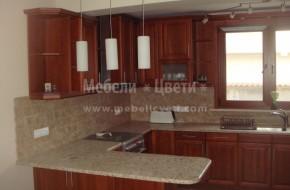 Кухня от череша с двулицев барплот с място за сядане.Цена на кухня с бар плот от череша 4400 лева